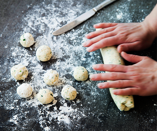 Step 1: Rolling out nettle gnudi dough